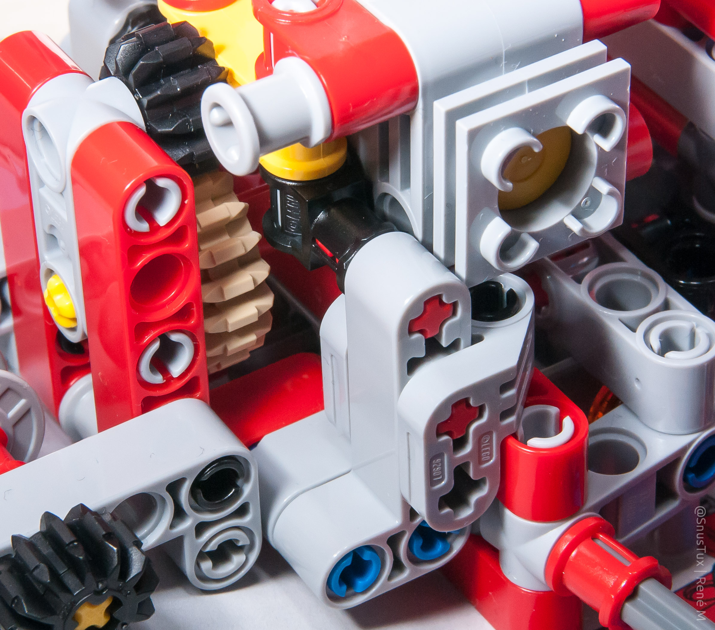 Lego 42075 Ein Kleiner Baubericht Snustux